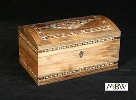 Small mosaic treasure box