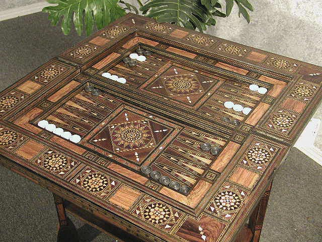 High Quality Luxurious Backgammon Table Set